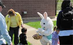 Easter Egg Hunt - 2010 (1).jpg